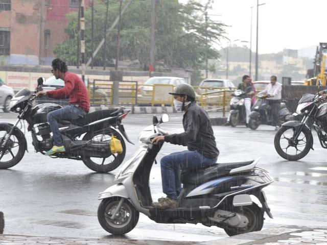 Many-parts-of-Bhopal-experienced-light-rain-on-Wednesday-afternoon-bringing-down-the-day-temperature-Praveen-Bajpai-HT-photo