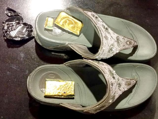 Gold smuggling,smuggling gold in sandals