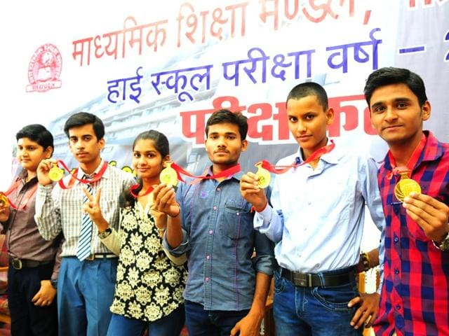 Toppers-of-Madhya-Pradesh-high-school-exam-posing-for-a-group-photograph-at-MP-board-of-secondary-education-office-Bhopal-on-Thursday-Photo-Mujeeb-Faruqui-Hindustan-Times