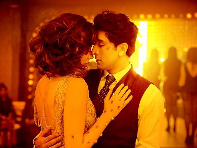 Anushka-Sharma-Ranbir-Kapoor-in-Bombay-Velvet