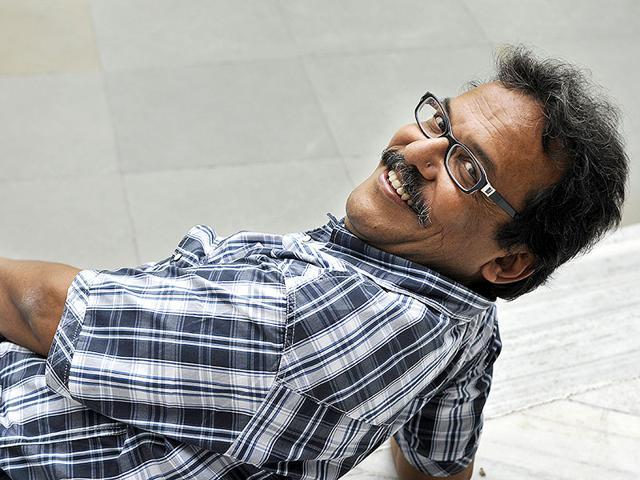 Aniket Chattopadhyay,Chha-e Chhuti,Room N0 103