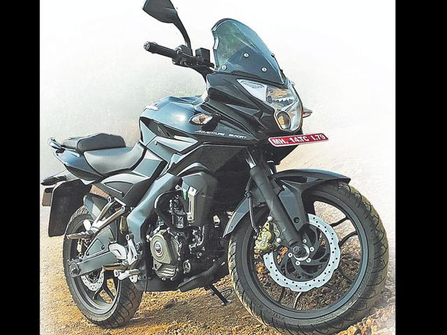 The-Pulsar-AS200-note-the-rear-disc-brake