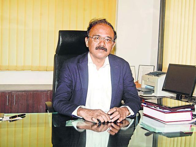1993-batch-IAS-officer-Mahesh-Zagade