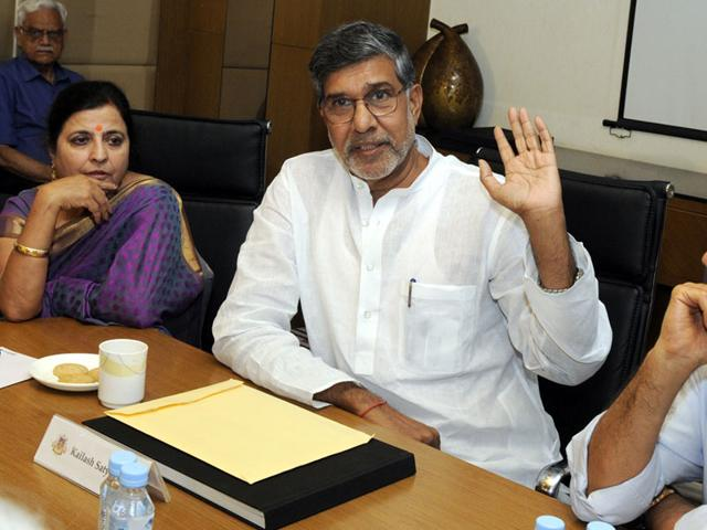 Nobel-laureate-Kailash-Satyarthi-speaking-at-a-function-organized-by-Indore-Management-Association-in-Indore-on-Friday-Shankar-Mourya-HT-photo