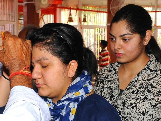 Students-pray-to-god-for-blessings-ahead-of-UP-board-examination-results-in-Lucknow-on-Saturday-HT-photo-Ashok-Dutta