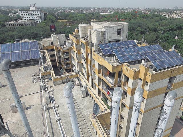 Delhi-can-generate-over-30-000-MW-of-power-annually-if-just-one-third-of-its-homes-install-some-solar-panels-Raj-K-Raj-HT-Photo