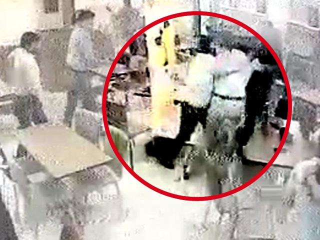 Customers-who-witnessed-the-gunfight-at-Sagar-Ratna-in-Rajender-Nagar-initially-thought-it-was-a-terror-strike-Virendra-Singh-Gosain-HT-Photo