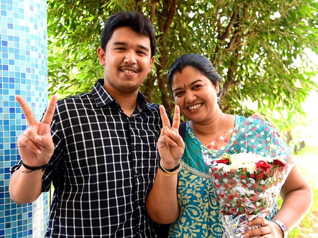 Tezan-Tapan-Sahu-from-Koparkhairne-s-St-Mary-s-ICSE-School-celebrates-with-his-mother-He-topped-the-Class-10-ICSE-exams-nationally-with-99-2-HT-photo