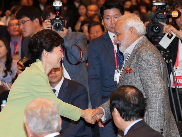South-Korea-s-President-Park-Geun-Hyewith-Prime-Minister-Narendra-Modi-in-Seoul-AP-Photo