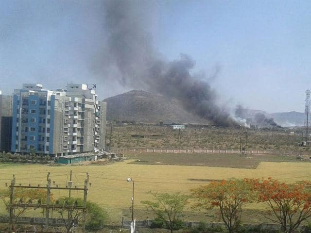 Winds-carry-thick-smoke-emanating-from-Devguradiya-trenching-ground-to-nearby-townships-and-villages-making-life-miserable-for-local-residents-Shankar-Mourya-HT-photo