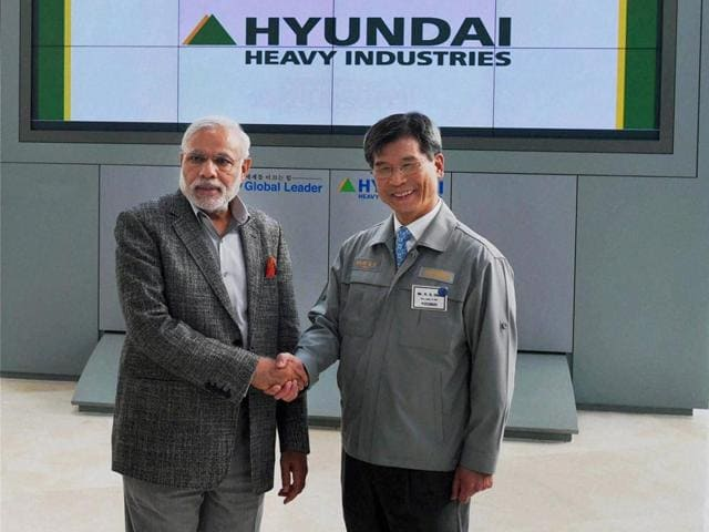 PM-Narendra-Modi-with-Hyundai-Heavy-Industries-HHI-chairman-Choi-Kil-seon-during-his-visit-to-Hyundai-Heavey-Industries-Shipyard-South-Korea-PTI-Photo