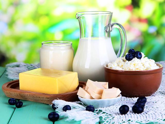 Athletes-in-low-impact-sports-such-as-cycling-and-swimming-lose-calcium-through-sweating-which-can-weaken-the-bones-and-lead-to-osteoporosis-later-in-life-So-grab-a-latte-rather-than-a-short-black-Shutterstock