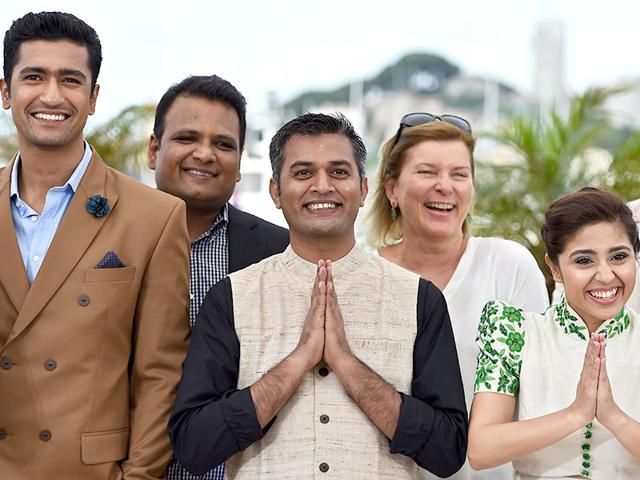 From-L-to-R-Vicky-Kaushal-Manish-Mundra-Neeraj-Ghaywan-and-Shweta-Tripathi-during-a-photocall-for-the-film-Masaan-at-the-68th-Cannes-Film-Festival-AFP