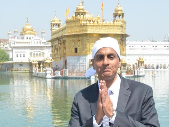 United-States-Ambassador-to-India-Richard-Rahul-Verma-paying-obeisance-at-Golden-Temple-in-Amritsar-on-Wednesday-Sameer-Sehgal-HT