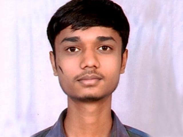 Aakash-Jain-of-Madhya-Pradesh-tops-the-all-India-entrance-examination-for-entry-into-16-national-law-universities
