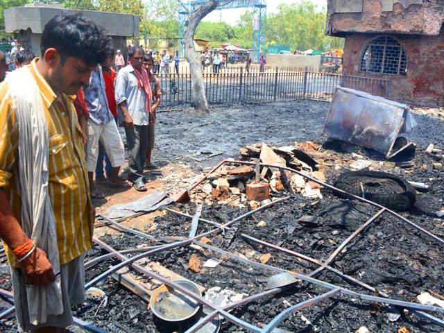A-fire-broke-out-at-Keshopur-Mandi-in-New-Delhi-India-on-Thursday-May-21-2015-HT-Photo