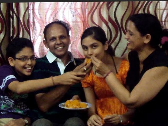Inayat-with-her-parents-at-their-house-in-Chandigarh-on-Friday-HT-photo