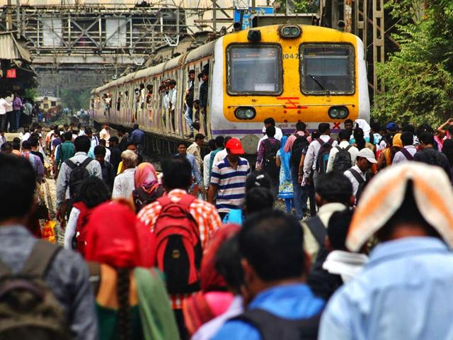Central Railway,Central Railway services disrupted