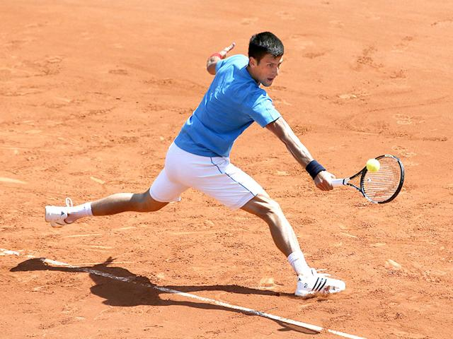 Serbian-player-Novak-Djokovic-takes-part-in-a-practice-session-two-days-before-the-first-round-of-the-Roland-Garros-2015-French-Open-Tennis-championships-in-Paris-AFP-PHOTO