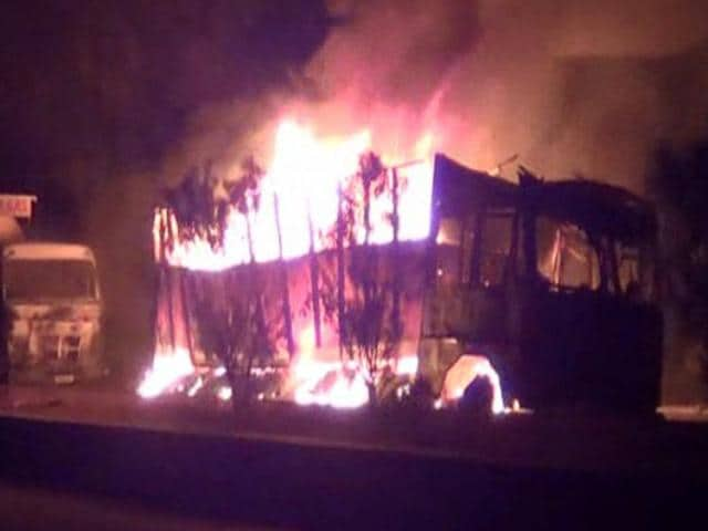 Armed-Naxals-on-Monday-torched-32-vehicles-on-GT-Road-on-the-first-day-of-their-two-day-Bihar-and-Jharkhand-bandh