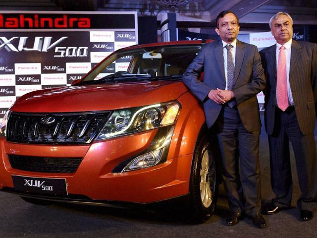 Pawan-Goenka-Executive-Director-Mahindra-amp-Mahindra-with-Pravin-Shah-President-amp-Chief-Executive-of-Mahindra-s-Automotive-Division-at-the-launch-of-New-Age-XUV500-in-New-Delhi-on-Monday-Photo-PTI