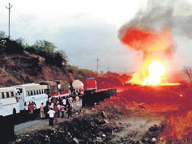 A-truck-carrying-the-cylinders-burst-into-flames-on-Mumbai-Goa-highway-HT-photo