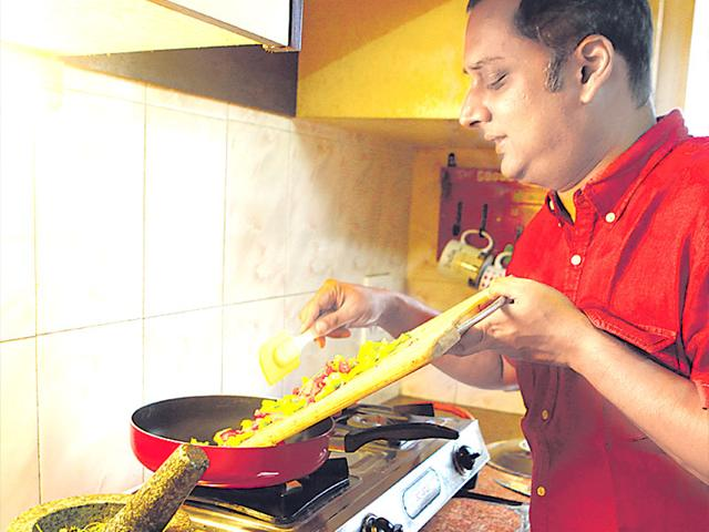 Food-blogger-Kalyan-Karmakar-says-he-recreates-his-Kolkata-based-mother-s-do-it-yourself-pasta-recipes-when-he-s-missing-her-I-was-a-fussy-eater-as-a-child-and-she-tried-so-hard-Those-memories-are-precious-to-me-he-says-Vidya-Subramanian-HT-photo