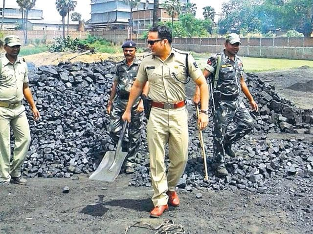 SP-of-Rohtas-SW-Lande-conducting-raid-at-an-illegal-coal-dumping-and-burning-site-HT-Photo