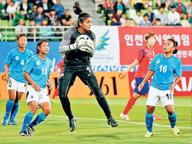 Indian-national-women-s-football-team-goalkeeper-Aditi-Chauhan-during-a-match-at-the-Incheon-Asian-Games
