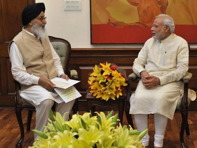 Punjab-CM-Parkash-Singh-Badal-with-PM-Narendra-Modi
