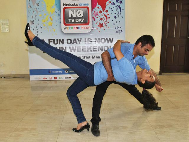 From-stepping-on-each-other-s-toes-to-tuning-into-the-other-s-rhythm-couples-in-Thane-had-a-morning-full-of-foot-tapping-and-Latin-music-bringing-in-the-HT-No-TV-weekend-in-style-Photo-Praful-Gangurde