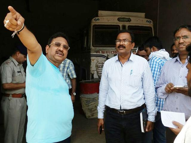 A-team-of-public-distribution-department-raided-a-petrol-pump-on-the-outskirts-of-Sanawad-town-in-Khargone-district-on-Friday-HT-photo