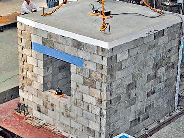 Earthquake resistant house,IIT Roorkee,scientists