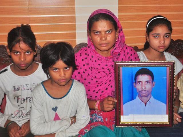 Sunita-with-her-children-in-Chandigarh-on-Sunday-KARUN-SHARMA-HT