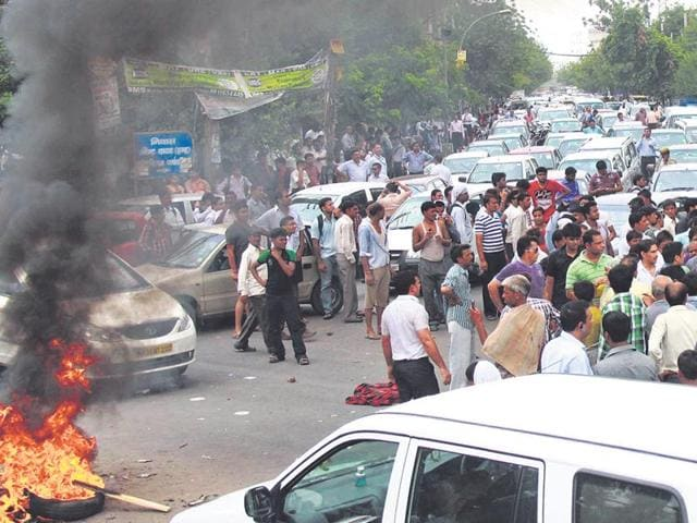In-July-2013-residents-blocked-the-Old-Delhi-Gurgaon-road-for-around-five-hours-to-protest-against-poor-power-supply-This-year-the-discom-had-recently-assured-the-residents-of-uninterrupted-supply-HT-File-photo
