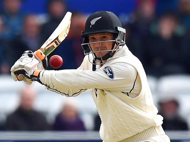 New-Zealand-s-BJ-Watling-bats-during-the-second-Test-between-England-and-New-Zealand-at-Headingley-in-Leeds-England-on-May-31-2015-AFP-Photo