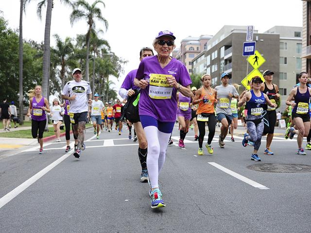 Harriette-Thompson-92-runs-in-the-2015-Rock-n-Roll-Marathon-in-San-Diego-California-Thompson-a-two-time-cancer-survivor-has-become-the-oldest-female-in-the-world-to-complete-a-marathon-Reuters-Photo