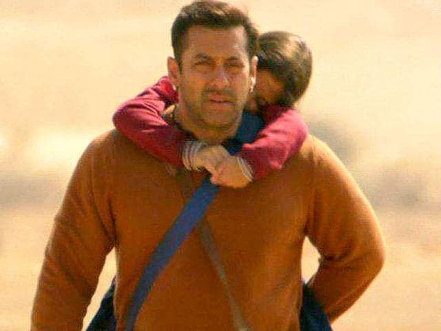Salman-Khan-plays-saviour-to-a-Pakistani-girl-in-Bajrangi-Bhaijaan