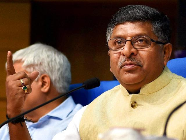 Union-telecom-minister-Ravi-Shankar-Prasad-delcare-that-BSNL-will-offer-free-national-roaming-from-June-15-2015-PTI-Photo-Shirish-Shete