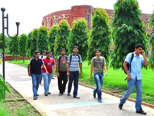 Students-inside-the-campus-of-Indian-Institute-of-Management-Lucknow-in-Lucknow-Uttar-Pradesh-HT-photo