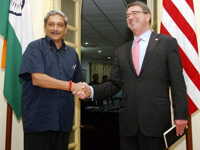 Defence-minister-Manohar-Parrikar-shakes-hands-with-US-secretary-of-defence-Ashton-Carter-during-their-meeting--in-New-Delhi-PTI-Photo