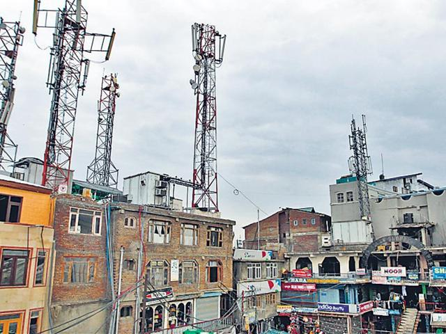 Sopore,mobile towers,militant attack