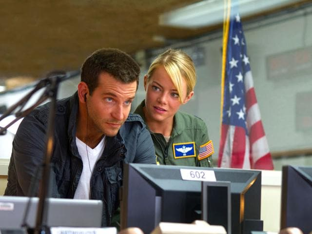 Bradley-Cooper-and-Emma-Stone-in-a-still-from-Aloha