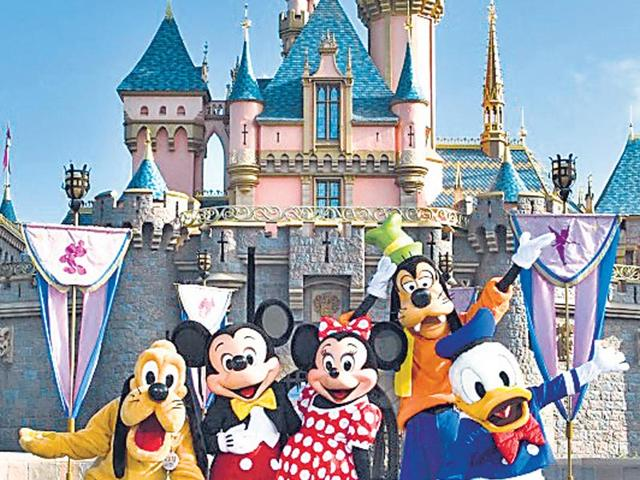 Disneyland,lay-offs,employees