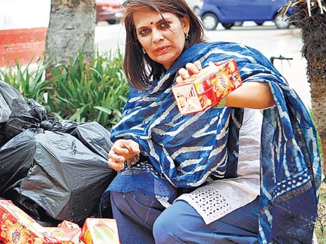Sapna-Sukul-collected-1500-kg-of-cartons-for-recycling-in-3-years-Arvind-Yadav-HT-Photo