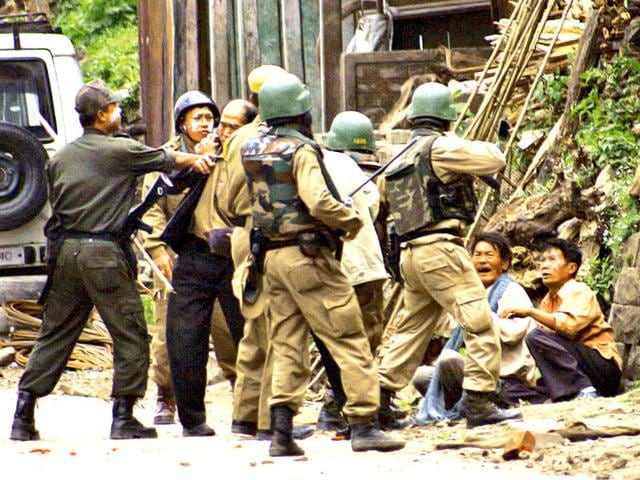 Cadets-of-the-Kuki-National-Front-arrive-to-deposit-weapons-at-a-designated-camp-after-the-militant-group-signed-an-agreement-of-Suspension-of-Operation-with-the-Centre-at-Natheljang-Manipur-PTI-file-Photo