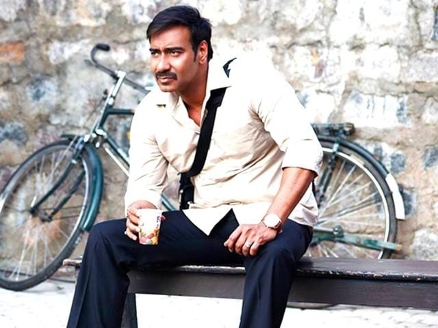 Ajay-Devgn-reprises-Mohanlal-s-character-from-the-Malayalam-film-in-Drishyam
