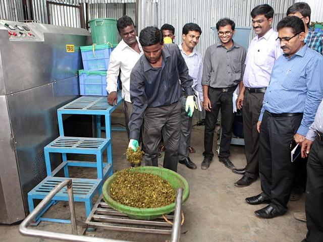 The-ward-officer-of-G-north-Dadar-Matunga-Mahim-areas-with-the-help-of-civic-engineers-has-designed-a-machine-that-converts-wet-waste-into-bio-compost-Pratham-Gokhale-HT-photo