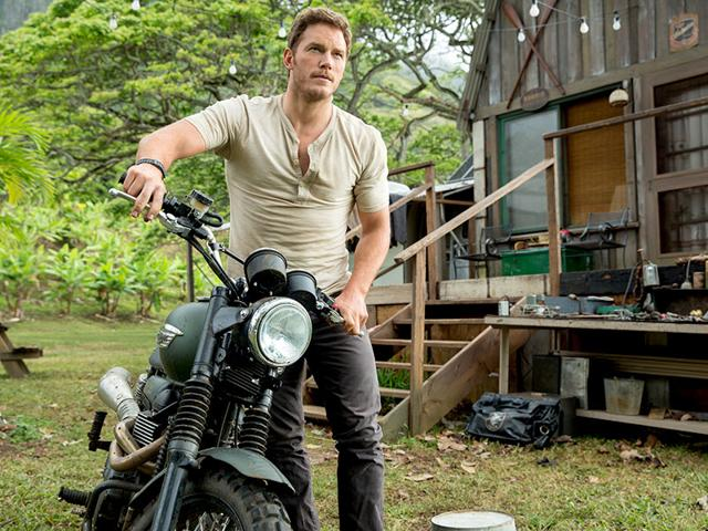 The-dinosaurs-are-genetically-modified-and-computer-animated-to-be-more-terrifying-than-ever-Check-out-these-trained-raptors-with-Chris-Pratt-Photo-Universal-Pictures