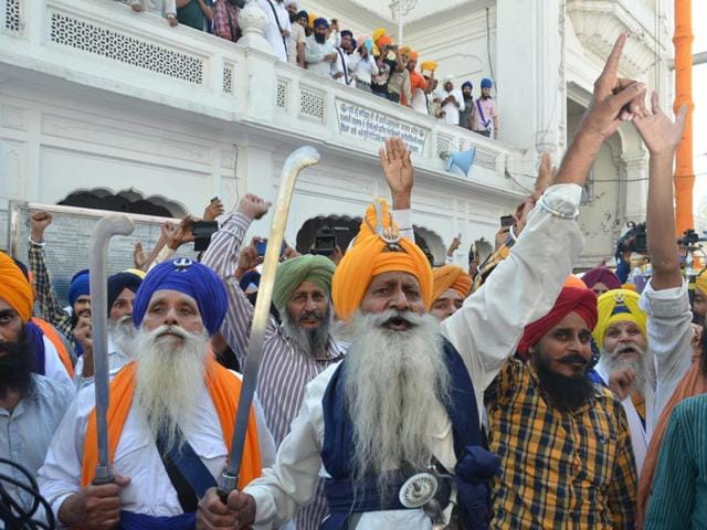 Radical-Sikhs-flash-swords-and-raise-pro-Khalistan-slogans-at-the-Golden-Temple--on-the-eve-of-Bluestar-Anniversary-in-Amritsar-on-Saturday-Sameer-Sehgal-HT